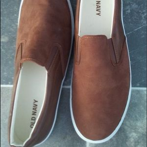 -New- Brown leather old navy slip on shoes! Size11